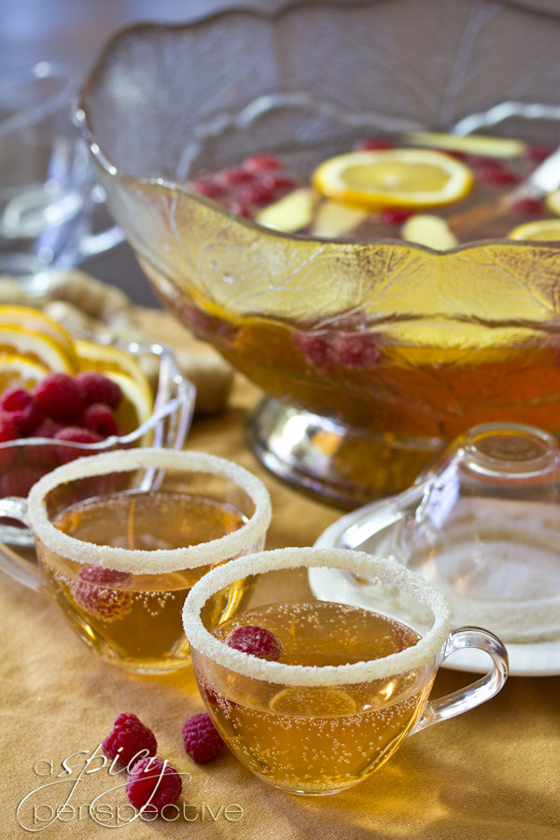 30+ Holiday Cocktails - Champagne Punch