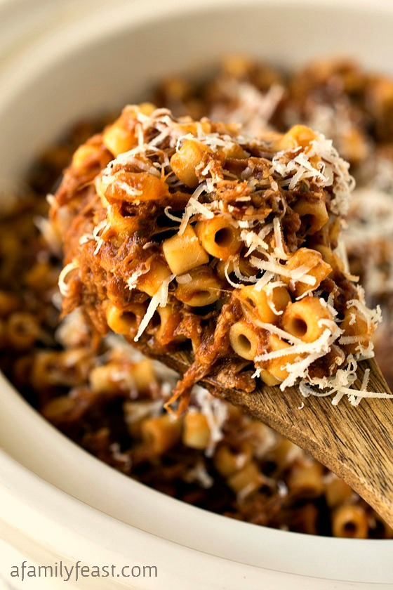 Slow Cooker Beefy Mac - A Family Feast