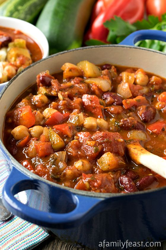 Vegetable Chili - This recipe is incredible! You'll never miss the ...